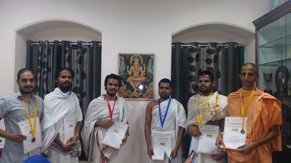 Students of our College bag Gold, Silver & Bronze Medals in various contests of the All India Sanskrit Elocution Contest, 2016